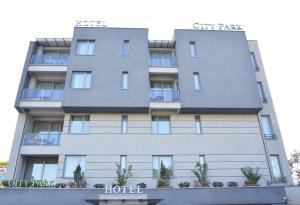 City Park Hotel, Hotely  Skopje - big - 43