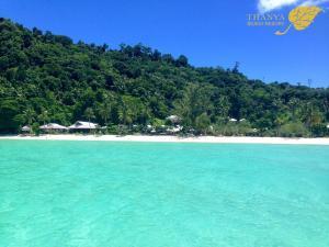 Thanya Beach Resort