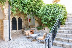A Picture of Ruth Rimonim Hotel