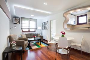 Apartment 18