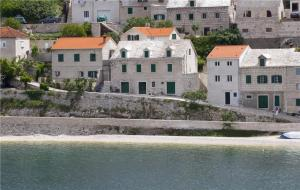 Two-Bedroom Holiday home in Pucicsca Brac