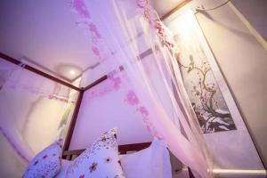 Zhangjiajie Changgongguan Tujia Customs Hotel