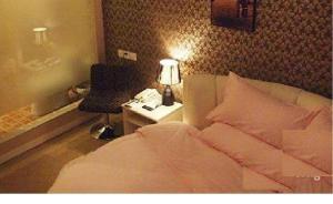 Xingrui Chain Hotel(Zhengzhou Erqi Square Xili Road)