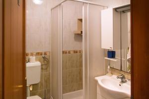 Apartments Villa Supertom, Ferienwohnungen  Povljana - big - 19