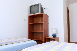 Apartments Villa Supertom, Ferienwohnungen  Povljana - big - 18