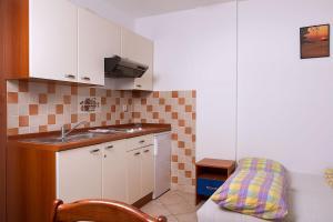 Apartments Villa Supertom, Ferienwohnungen  Povljana - big - 13