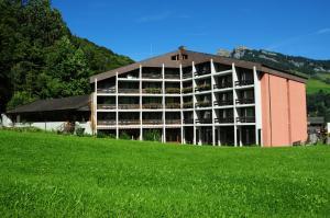 Hotel Sardona, Hotel  Elm - big - 75