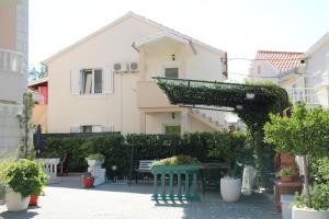 Apartments Ivana Promajna