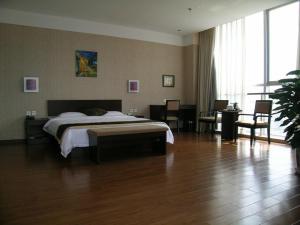 Summer Lotus Hotel