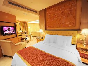 Huasheng Jiang Quan Hotel & Town