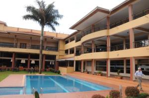 Кампала - Silver Springs Hotel