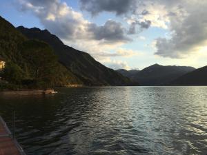 Boats & Breakfast Iseo Lake Charme
