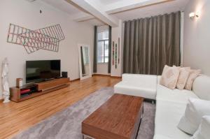 Madison Avenue Luxury Two Bedroom Apartments