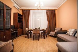 Apartment On Khreshchatyk 21, Киев