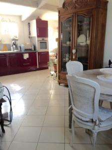 Chambres d`hôtes Shabby, Bed & Breakfasts  Salles-d'Aude - big - 8