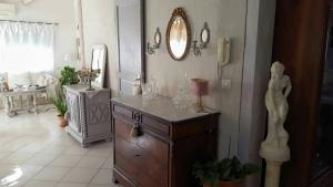 Chambres d`hôtes Shabby, Bed & Breakfasts  Salles-d'Aude - big - 4