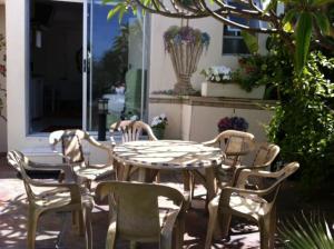 Charming Garden Studio, Апартаменты  Кейптаун - big - 3