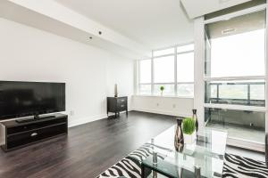 Торонто - Life Suites Lakeside Mimico