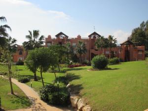 Casares Del Sol 30, Appartamenti  Estepona - big - 16