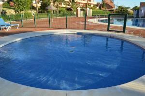 Casares Del Sol 30, Appartamenti  Estepona - big - 2