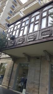 Апартаменты На проспекте Нефтяников 5, Баку
