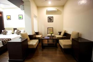 Review OYO Rooms Ahmedabad Maninagar Station