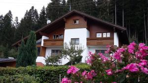 Haus J�lly