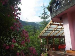 San Colombano Hotels
