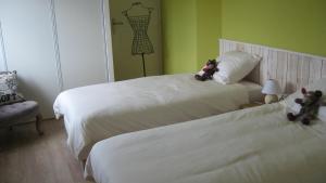 Le Clos De La Roche, Bed & Breakfast  Goven - big - 9