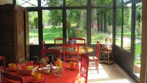 Le Clos De La Roche, Bed & Breakfast  Goven - big - 15