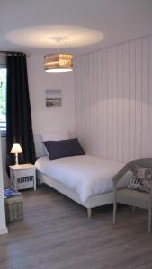 Le Clos De La Roche, Bed & Breakfast  Goven - big - 5