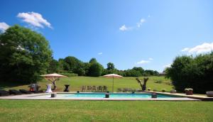 Domaine du Herlot, Villas  Ferrières - big - 37