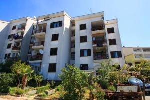 Two-Bedroom Apartment Crikvenica near Sea 9