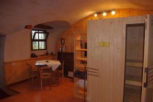 Hotel Ristorante La Font, Hotely  Castelmagno - big - 5