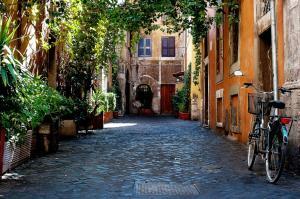 (Romeland - Trastevere and Navona)