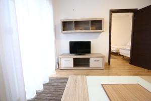 Apartments Kolonija - фото 14