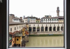 Ponte Vecchio 3 bedroom apartment