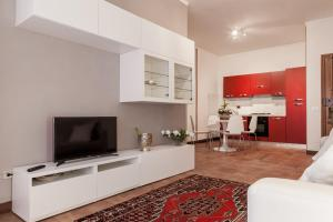 (Roman Holidays Apartment)