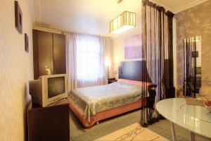 One-Bedroom Apartment Nezavisimosti 33 - фото 3