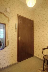 One-Bedroom Apartment Nezavisimosti 33 - фото 8