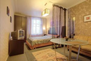 One-Bedroom Apartment Nezavisimosti 33 - фото 5