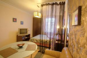 One-Bedroom Apartment Nezavisimosti 33 - фото 7
