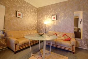 One-Bedroom Apartment Nezavisimosti 33 - фото 9