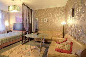 One-Bedroom Apartment Nezavisimosti 33 - фото 16
