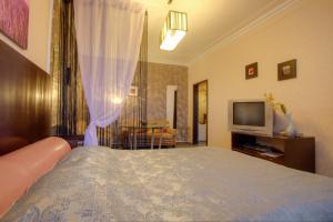 One-Bedroom Apartment Nezavisimosti 33 - фото 21