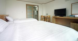 Bowhill Hostel & Pension, Resorts  Seogwipo - big - 7