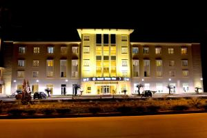Grand White City Hotel, Hotels  Berat - big - 39