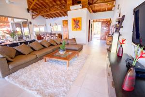 Cala Luxury vacation Homes, Villen  Santa Teresa - big - 10