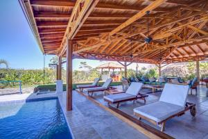 Cala Luxury vacation Homes, Villen  Santa Teresa - big - 8