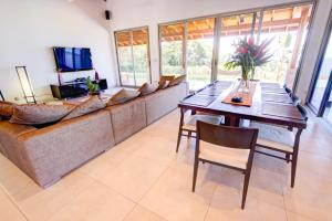 Cala Luxury vacation Homes, Villen  Santa Teresa - big - 6